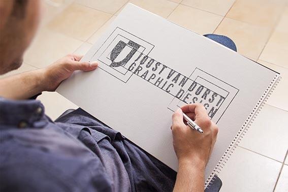 چگونه یک لوگو طراحی کنیم ؟
